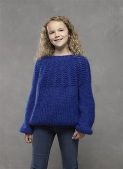 Teen sweater 4612 strikket i Dolce garn
